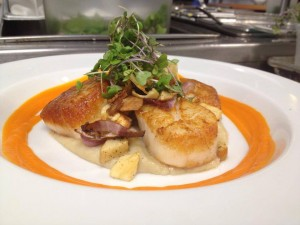 Winter scallops, Sunchoke puree, roasted apple, parsnip, red onion, sunchoke chips and carrot sauce
